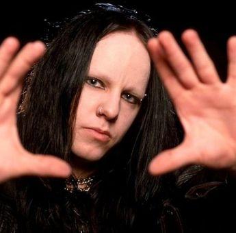 Drummer Slipknot Joey Jordison Meninggal Dunia pada Usia 46 Tahun