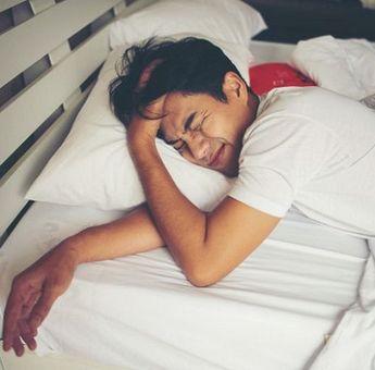 Catat! 3 Cara Mudah Hentikan Kebiasaan Tidur Pagi ala Dokter