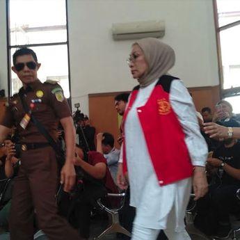 Setelah 15 Bulan Dipenjara, Ratna Sarumpaet Resmi Bebas Hari Ini