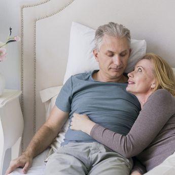 Usia di Atas 50 Tahun Tetap Ingin Berhubungan Seks? Ini Tipsnya