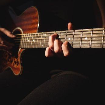 Lirik Lagu dan Chord Gitar 'Pilihan Hatiku' yang Dinyanyikan Lavina
