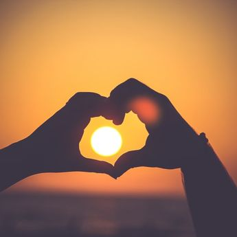 Ramalan Zodiak Hari Ini, 4 Zodiak Ini Akan Mendapatkan Cinta Terbaik
