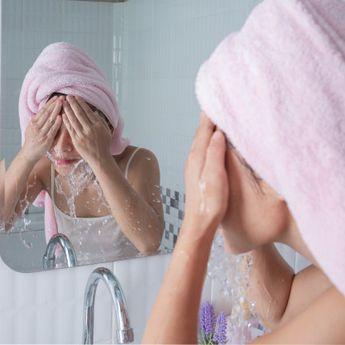 5 Tanda Sabun Cuci Muka Tak Cocok dengan Kondisi Kulit Wajah Kita