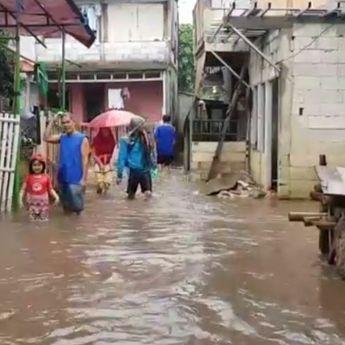 Akibat Hujan Deras Tadi Siang, Jakarta Kembali Terendam Banjir