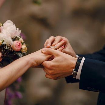 Bukan Terlambat, Menikah di Usia 30-an Justru Bisa Menguntungkan