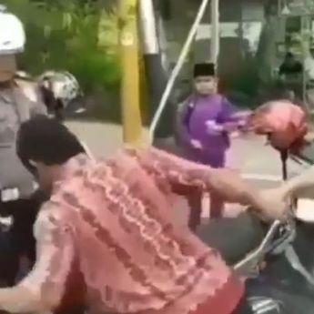 Viral! Ditilang Polisi, Pria Asal Riau Ini Emosi hingga Banting Motor