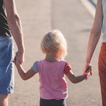 Psikolog UI: Jangan Sebarkan Kepanikan Pada Anak Soal Covid-19