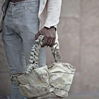 Heboh, Designer Fashion Indonesia Design Tas Dari Tulang Manusia
