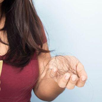 Rambut Rontok? Kenali Penyebabnya dan Cara Mengurangi Rambut Rontok