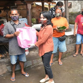 'Endorse' Kuliner Bersama UMKM,Beri Donasi  Warga Terdampak Covid-19