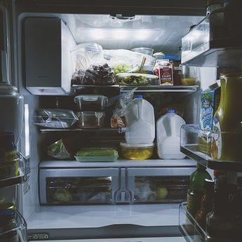 5 Tips Menyimpan Makanan yang Tidak Habis, Dokter: Jangan Keluar Masuk Kulkas!