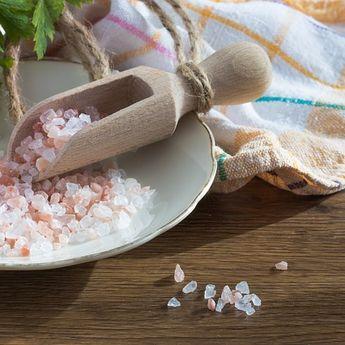 6 Manfaat Konsumsi Garam Himalaya dan Perbedaannya dengan Garam Dapur