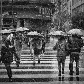Serem Banget, Ternyata Mimpi Tentang Hujan Bisa Jadi Pertanda Untuk Sang Pemimpi