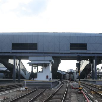 Demi Kenyamanan Pengguna, PT KAI Bangun Skybridge di Stasiun Bandung