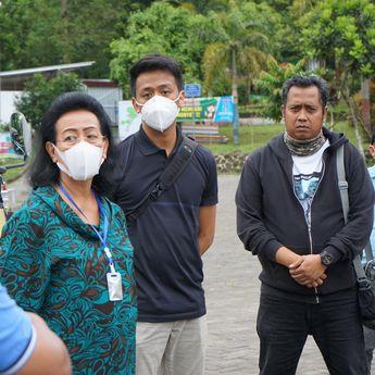 GKR Hemas Meninjau Langsung Droping Air Bersih di Gardu Pandang Merapi