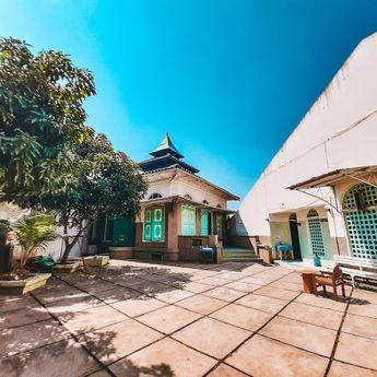 Mengenal Tradisi Kopi Arab dari Masjid Layur Semarang