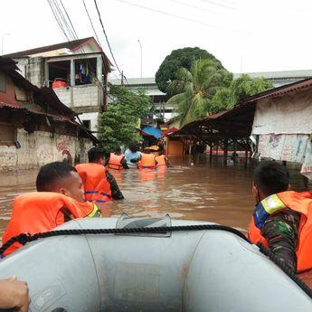BMKG: Perkiraan Ada Lima Provinsi Bakal Banjir hingga Selasa Pagi