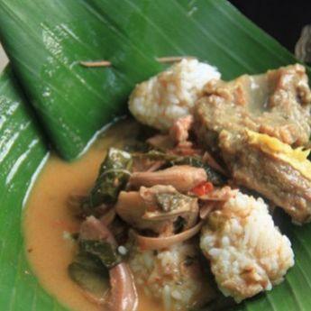 Pagi-pagi di Kebumen? Paling Enak Pilih Sarapan Nasi Penggel
