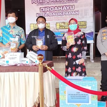 PT PJB UBJOM Kaltim Teluk Sumbang Ratusan Masker ke Pemkot Balikpapan