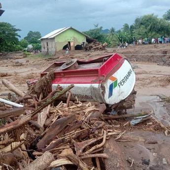 Korban Jiwa Akibat Bencana Alam Banjir Bandang dan Longsor di NTT jadi 84 Orang