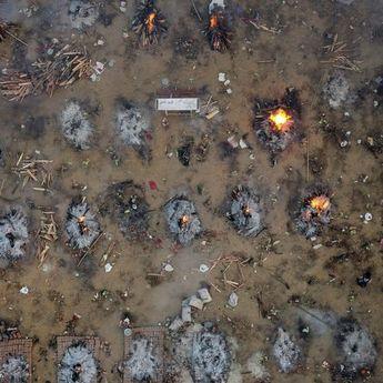 Tsunami Covid-19, Berikut Potret Penampakan Pilu Kremasi Massal di India