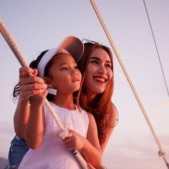 Punya Mimpi yang Tinggi, Ayu Ting Ting Utamakan Pendidikan Anak