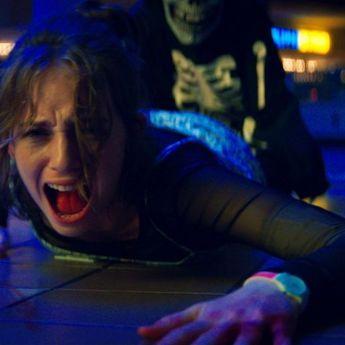 Netflix Rilis Trailer Film Horor R.L Stine 'Fear Street Part One: 1994', Tonton Disini!