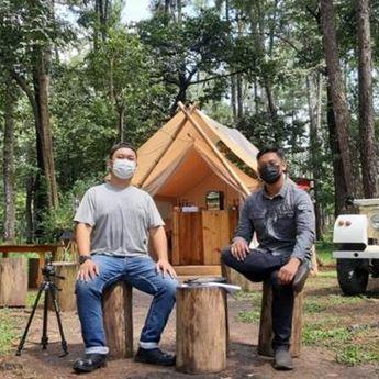 Kedai Kayu Pinus, Tongkrongan Bernuansa Alam Berada di Tengah Kota