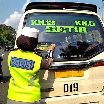 Himbau Prokes, Kendaraan di Palembang Ditempel Sticker