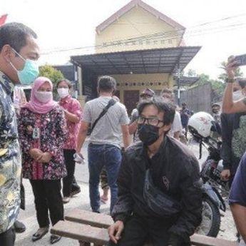 Jemput Bola, Pemkot Semarang Lakukan Vaksinasi Covid-19 Keliling