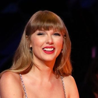 Taylor Swift Beri Teaser Puzzle 'from the vault' untuk 'Red (Taylor's Version)
