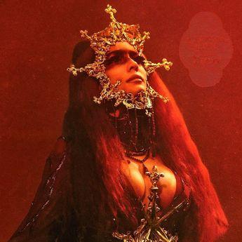Lirik Lagu 'I am not a woman, I'm a god' - Halsey dan Terjemahannya