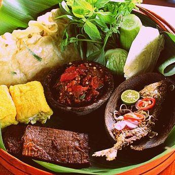 Nasi Liwet Stroberi Kuliner Unik di Tawangmangu Yang Menjadi Destinasi Baru