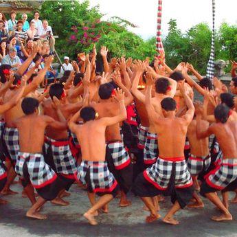 Pernah Nonton Tari Kecak di Bali? Ini Asal Usul dan Makna yang Dikandungnya