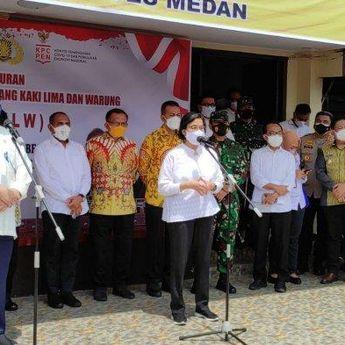 Sri Mulyani Berkunjung ke Medan untuk Salurkan Bantuan Tunai bagi Pedagang Kaki Lima