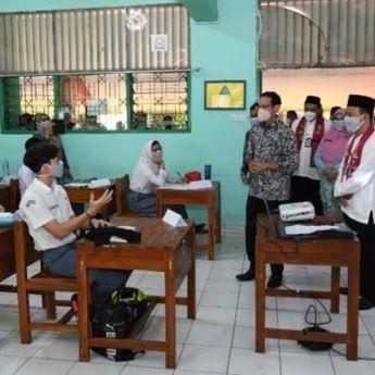 Hari Ini DKI Jakarta Tambah 13 Sekolah Laksanakan PTM Terbatas