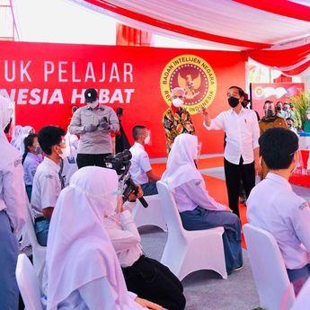 Jokowi Selamati Anak-Anak Sekolah Tatap Muka