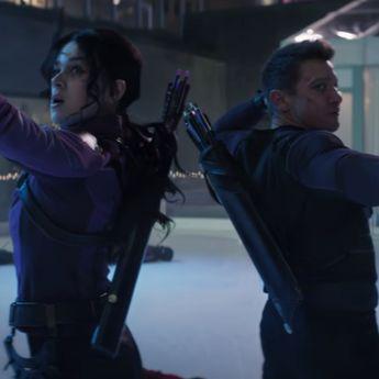 'Hawkeye' Rilis Trailer Perdananya, Lihat Aksi Jeremy Renner dan Hailee Steinfeld di Sini!