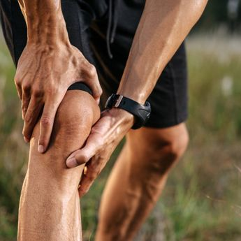 Sering Masturbasi Bisa Bikin Lutut Kopong, Mitos atau Fakta?