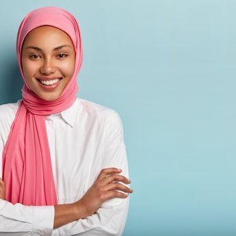 Ragu untuk Berhijab karena Tidak Percaya Diri? Ini 5 Tips Percaya Diri Saat Mengenakan Hijab