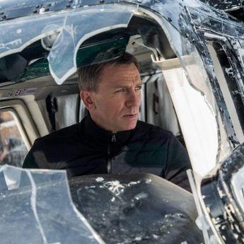 Daniel Craig Beri Ucapan Selamat Tinggal yang Emosional Pada Kru 'James Bond'