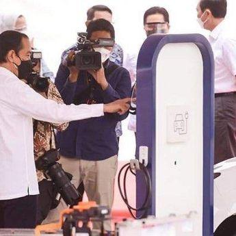 Presiden Joko Widodo Resmikan Pabrik Baterai, Ahli Otomotif Tanggapi Hal Tersebut