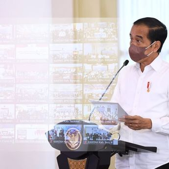 Jokowi Serahkan 124.120 Sertifikat Redistribusi Tanah Objektif Reforma Agraria