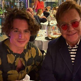 Lirik Lagu 'After All' - Elton John feat Charlie Puth, dengan Terjemahan