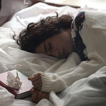 5 Arti Mimpi Orangtua Meninggal Dunia, Ternyata Tak Selalu Pertanda Buruk!