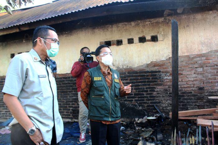 Pj Walikota Mks tinjau kebakaran di Jl Nuri