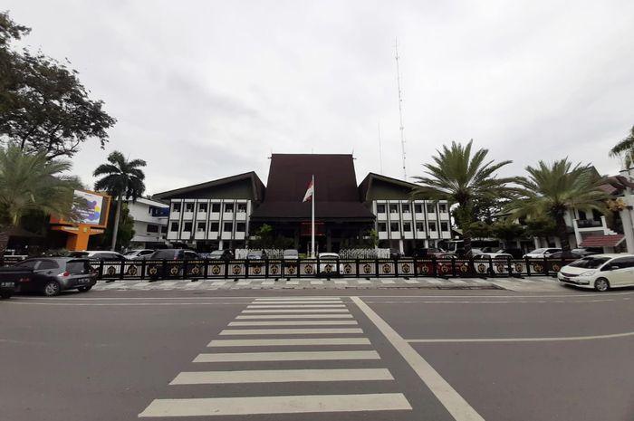Balai Kota Banjarmasin, Jl. RE Martadinata