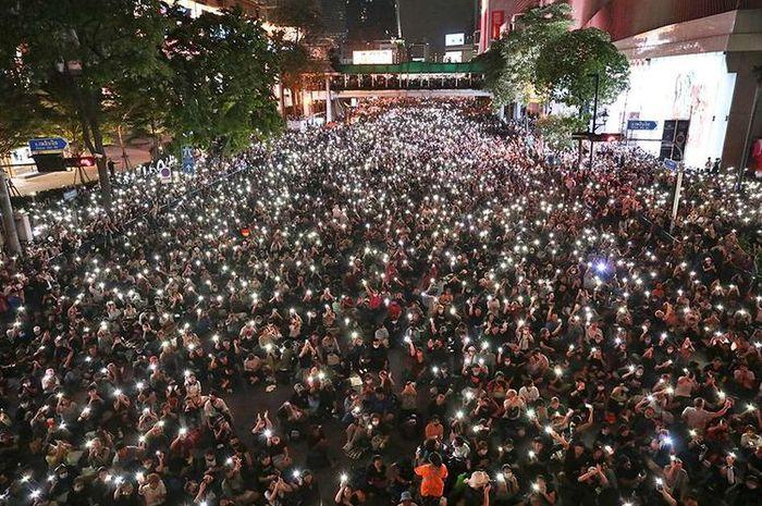 Massa demonstran di Thailand
