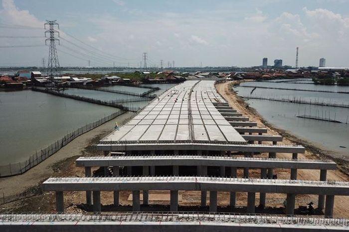Ganjar Minta Kontraktor Gencarkan Sosialisasi Pembangunan Tol Semarang-Demak