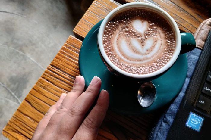 campuran kopi dengan cokelat mampu meningkatkan mood untuk aktivitas yang padat